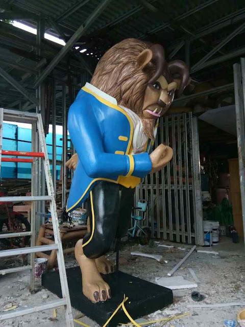 Pembuatan patung /:Sculpture art beauty and the beast statue of styrofoam untuk dekorasi ulang tahun / Birthday.
