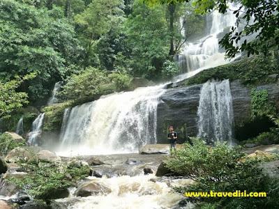 Air Terjun di ngabang kalimantan barat seperti bedawat / terinting dapat dikatakan mutiara atau surganya borneo bagi pecinta alam & traveling serta curug mania
