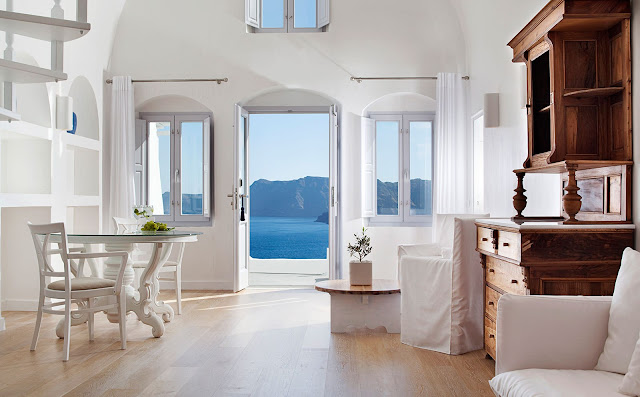 One of the most luxury hotels in Oia Santorini, Greece. Katikies Santorini hotel is renowned for its unparallel services and warm atmosphere.