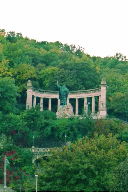 Statue of St. Gellert