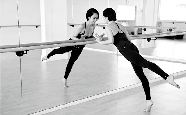 Barre dance workout, in ballet studio, with Avant Barre