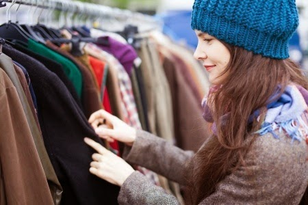 Looking for second-hand clothes - Copyright: / 123RF Stock Photo
