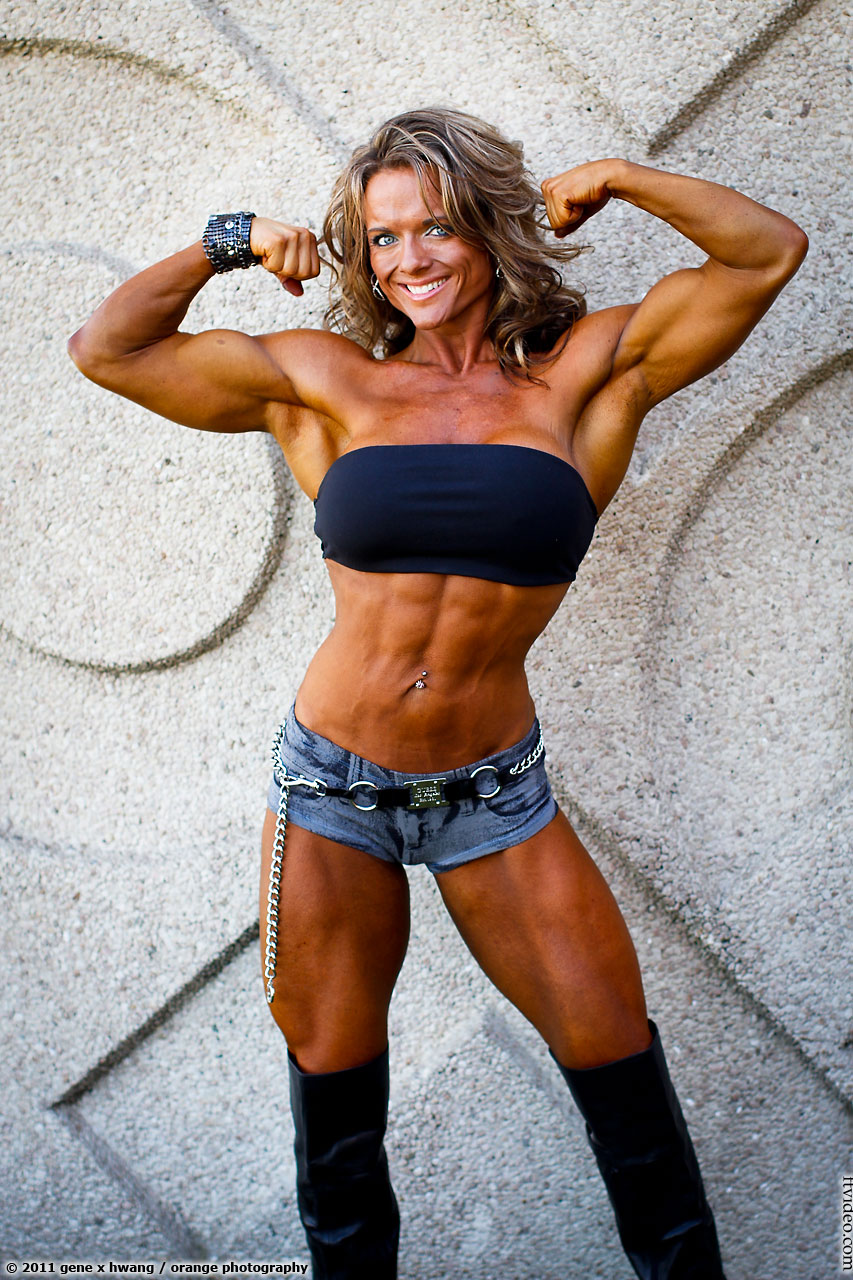 genextras - news from the world of female muscle