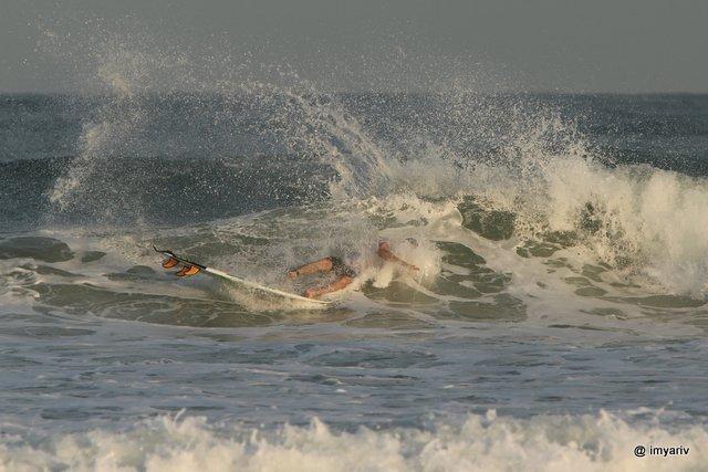 תמונות גלישת גלים הרצליה