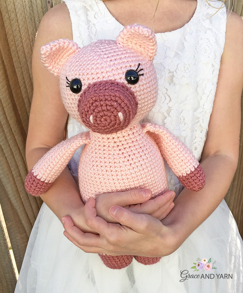 How To Crochet a Pig - Yarn Scrap Friday - YouTube | 966x800