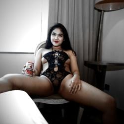Foto Bugil Model Hijab Anita Jayanti
