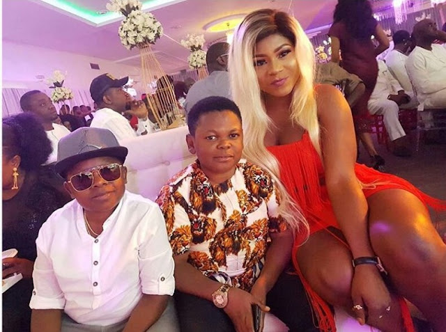 Destiny Etiko puts on a busty display as she poses Aki And Pawpaw In Warri