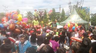 Warga Saksikan Atraksi Tatung Di vihara Paticca Acara Cap Gomeh Pontianak Kalimantan