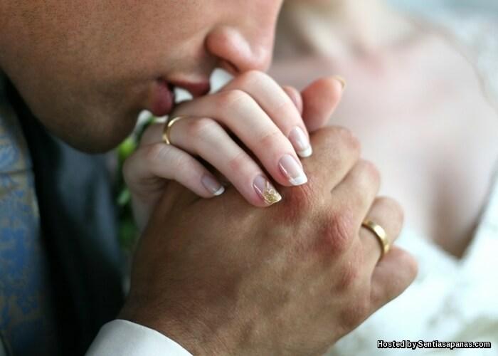 4 Teknik Ciuman Yang Buat Isteri Hilang Kawalan Diri
