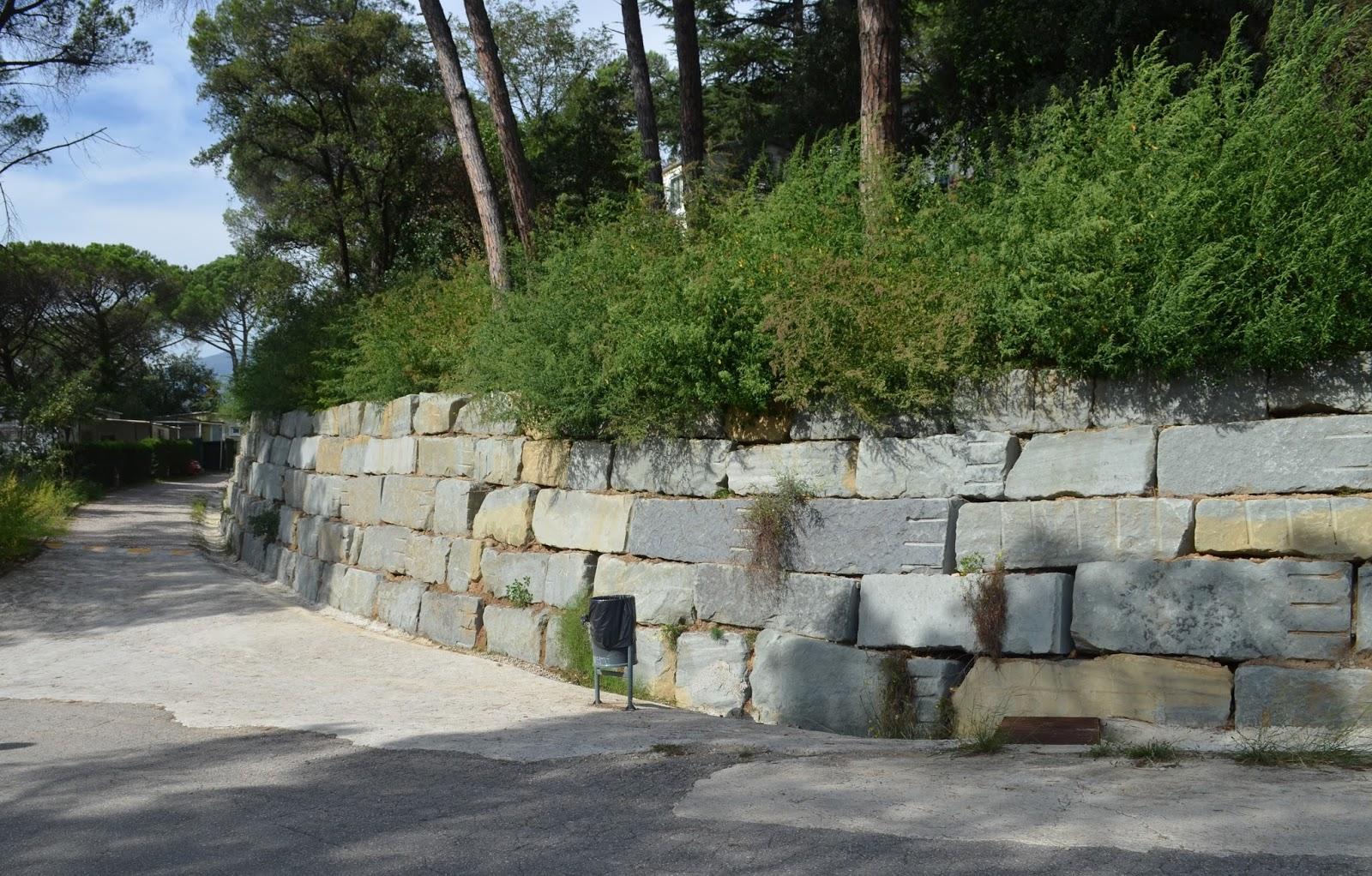 Muros de rocalla muros de piedra natural - Muro de piedra natural ...