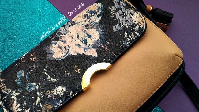 Bolso de Parfois con flores en azul y rosa