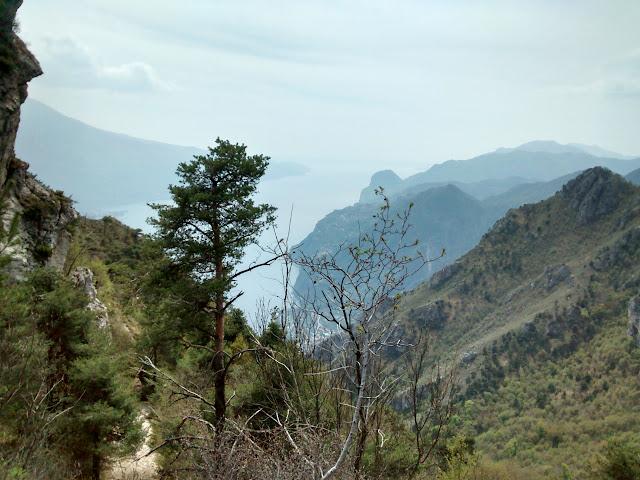 Panorama dalla Bocca dei Fortini - In MTB a Riva del Garda