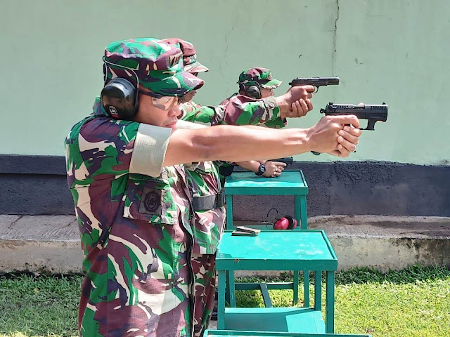 Prajurit Kodim 0815 Mojokerto Tingkatkan Kemahiran Menembak
