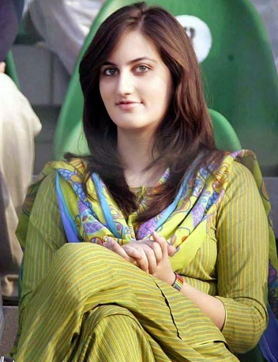 Noori 03217432139 Lahore Call Girls Service | Pakistani