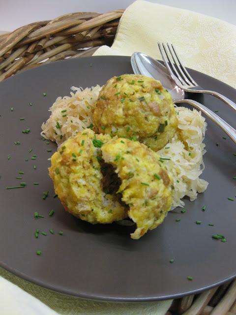 Semmelknödel, Speckknödel mit Sauerkraut,  Rezept auf dem Südtiroler Food- und Lifestyleblog kebo homing