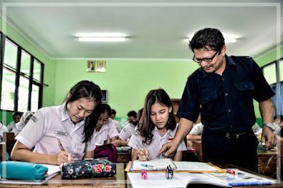 Siswa SMA soal Latihan UN dan SBMPTN