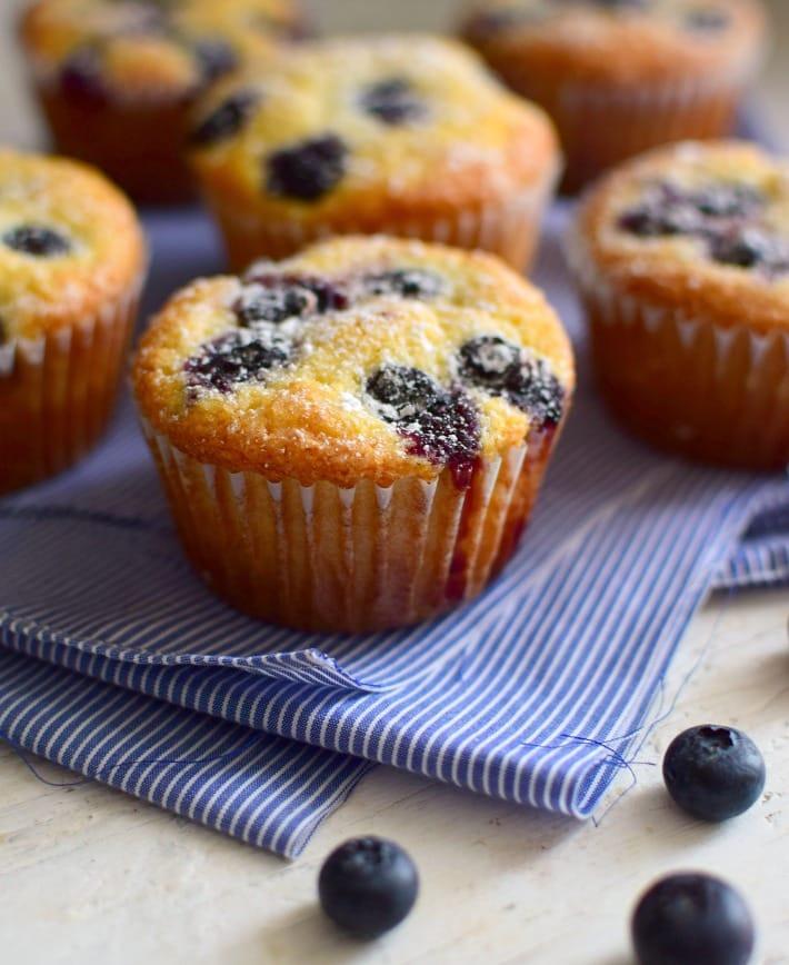 Muffins de maíz y arándanos