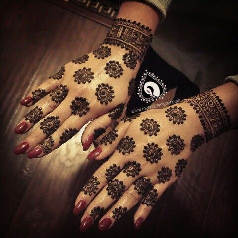 25 Latest Floral Henna Mehndi Designs For Hands Bling Sparkle
