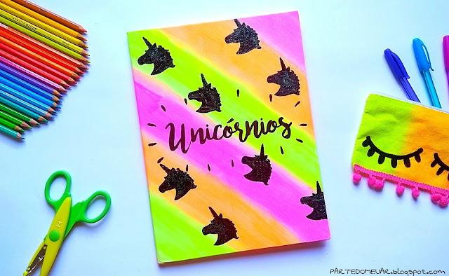 diy caderno customizado unicornio