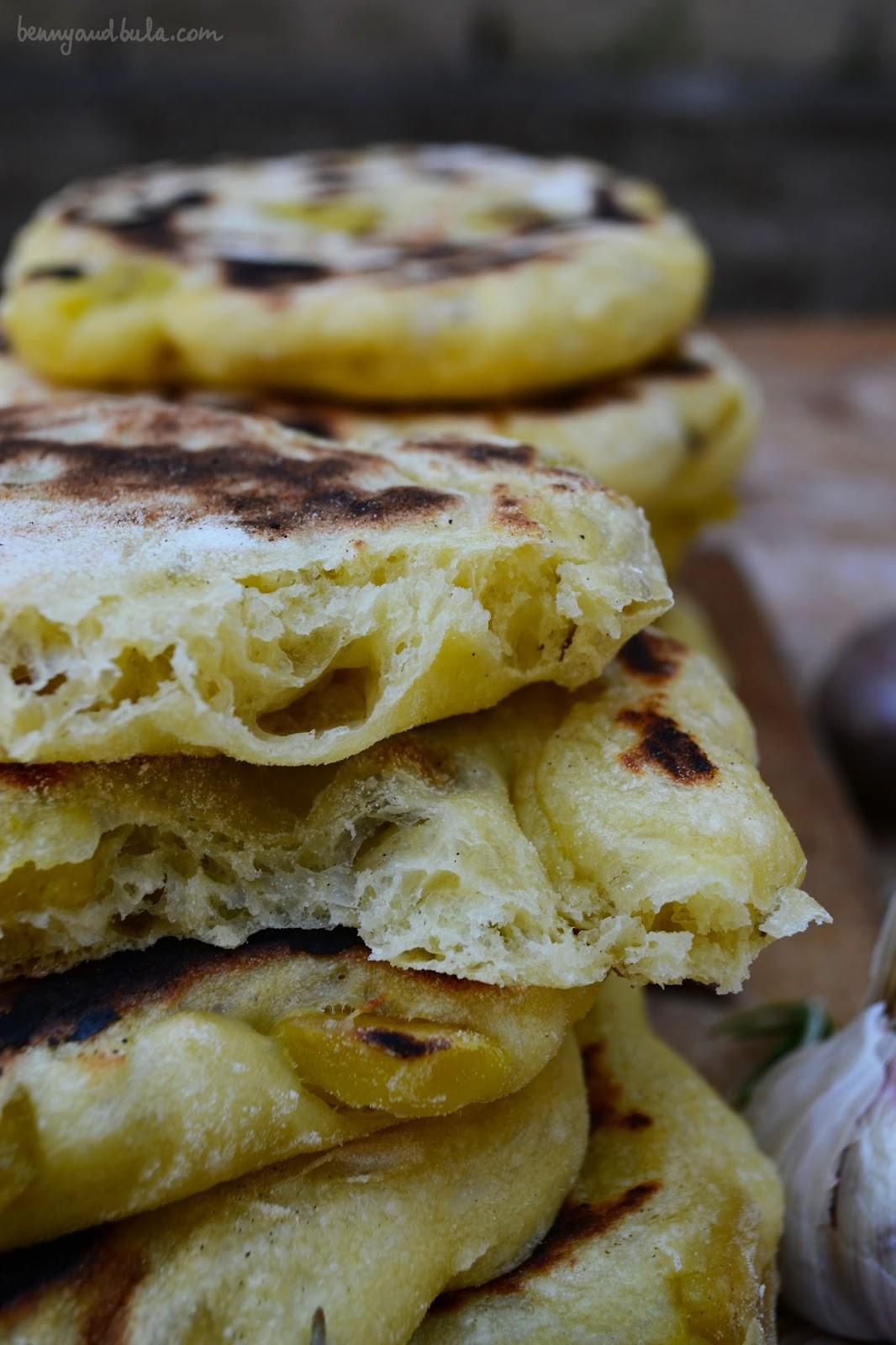 focaccia di semola con patate/ semolina flatbread with potatoes