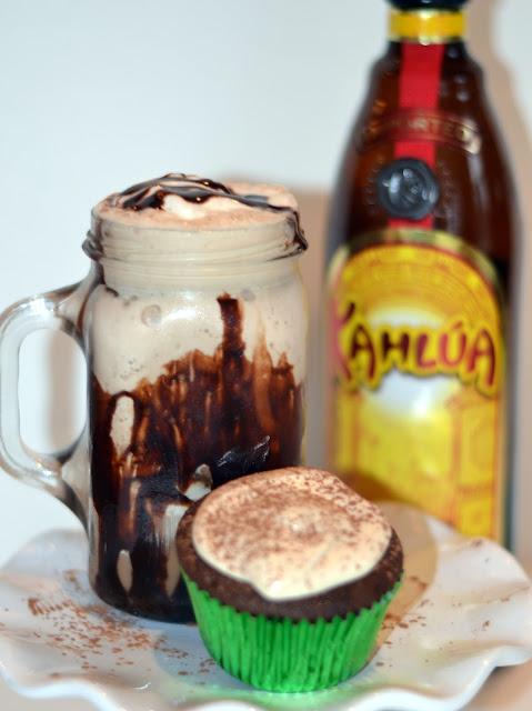 mudslide and mudslide cupcakes