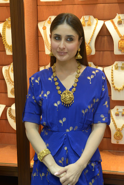 Kareena Kapoor looks gorgeous while launching new jewellery store in Delhi