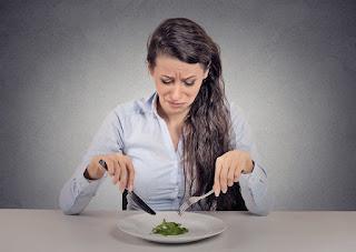 Apa Bedanya Anoreksia dan Bulimia? • Hello Sehat, Apa Perbedaan Anorexia & Bulimia? : Okezone Lifestyle, Kesehatan Wanita - Perbedaan Antara Penyakit Anorexia dan Bulimia