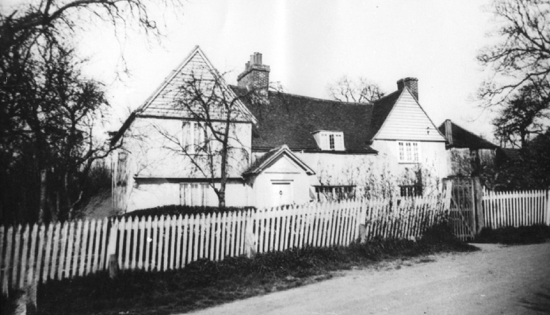 A picture of Moffats Farm in the early 1900s