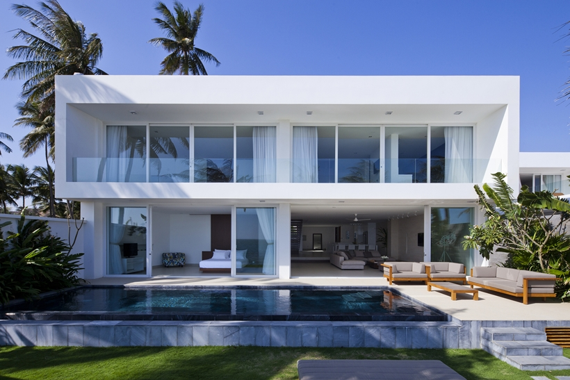 A Modern House on Beach 4