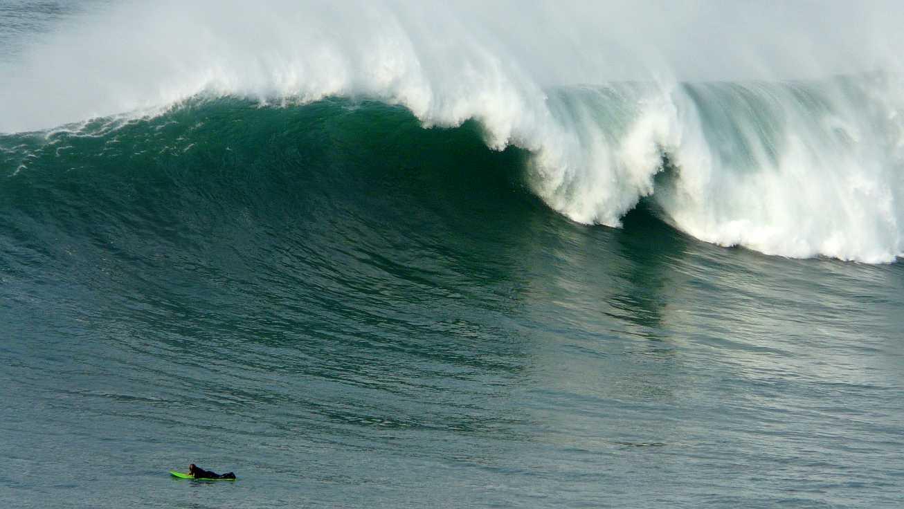 surf menakoz diciembre 2015 olas grandes 12