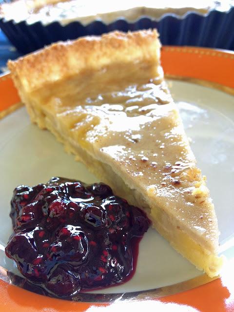tarte bananes coco pâte sablée coulis de fruits rouges cannelle