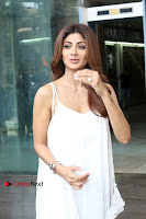 Bollywood Actress Shilpa Shetty Pos in White Gown at The Inauguration Of Shelar Make up Academy  0015.jpg