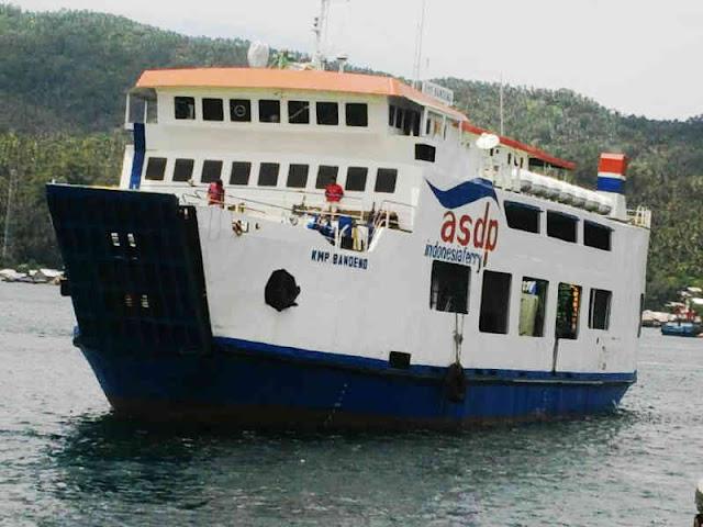 Dihantam Ombak, KMP Bandeng Tenggelam di Perairan Loloda