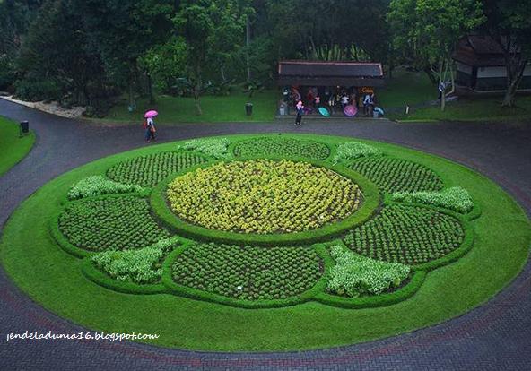 Ini dia, Daripada Pusing Mikirin Kerjaan, Yuk Kita Piknik Berlibur Ke Taman Bunga Nusantara