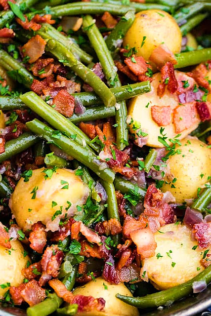 one pot green beans and potatoes with bacon