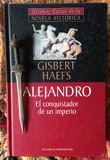 Portada del libro Alejandro. El conquistador de un imperio, de Gisbert Haefs
