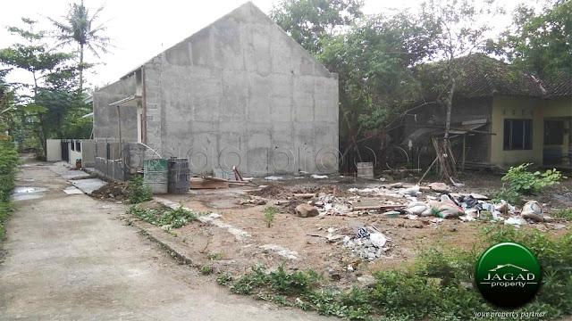 Rumah jalan Imogiri Timur Km 13