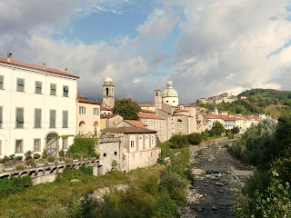 Pontremoli sits alongside the Magra river