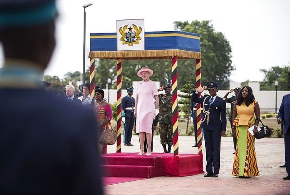 Queen Margrethe welcomed by President of Ghana, Nana Addo Dankwa Akufo-Addo at the Flagstaff House
