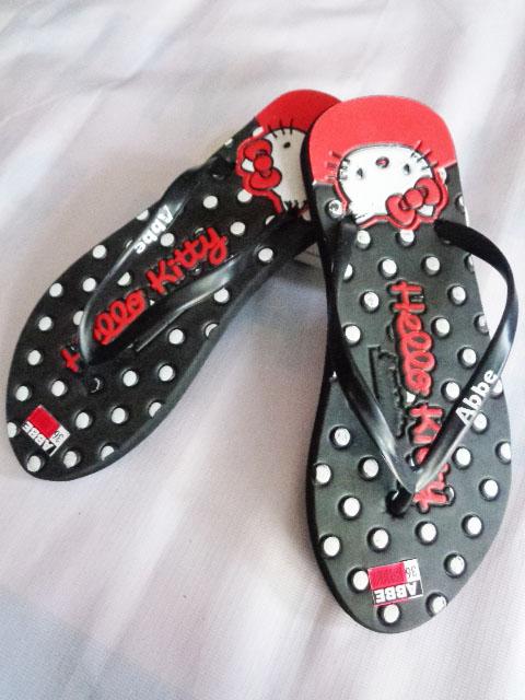SANDAL Hellokity Simplek merah hitam polkadot