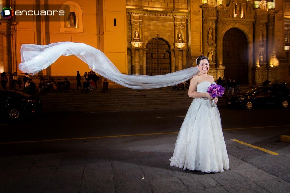 fotos novias plaza de armas