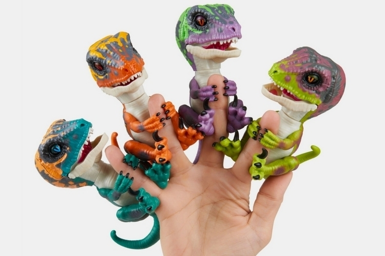 Wowwee Untamed Raptor By Fingerlings Review Amp Giveaway Do