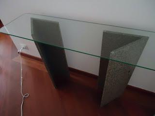 foto de suporte de vidro para sala