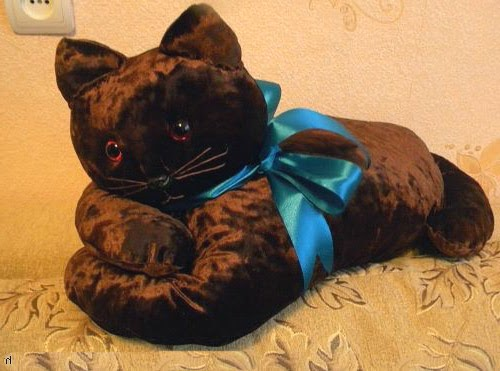 Как сшить подушку в виде кошки.