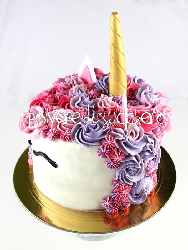 torta unicorno unicorn cake cake design pasta di zucchero polvere di zucchero pane angeli cameo crema al burro sac a poche