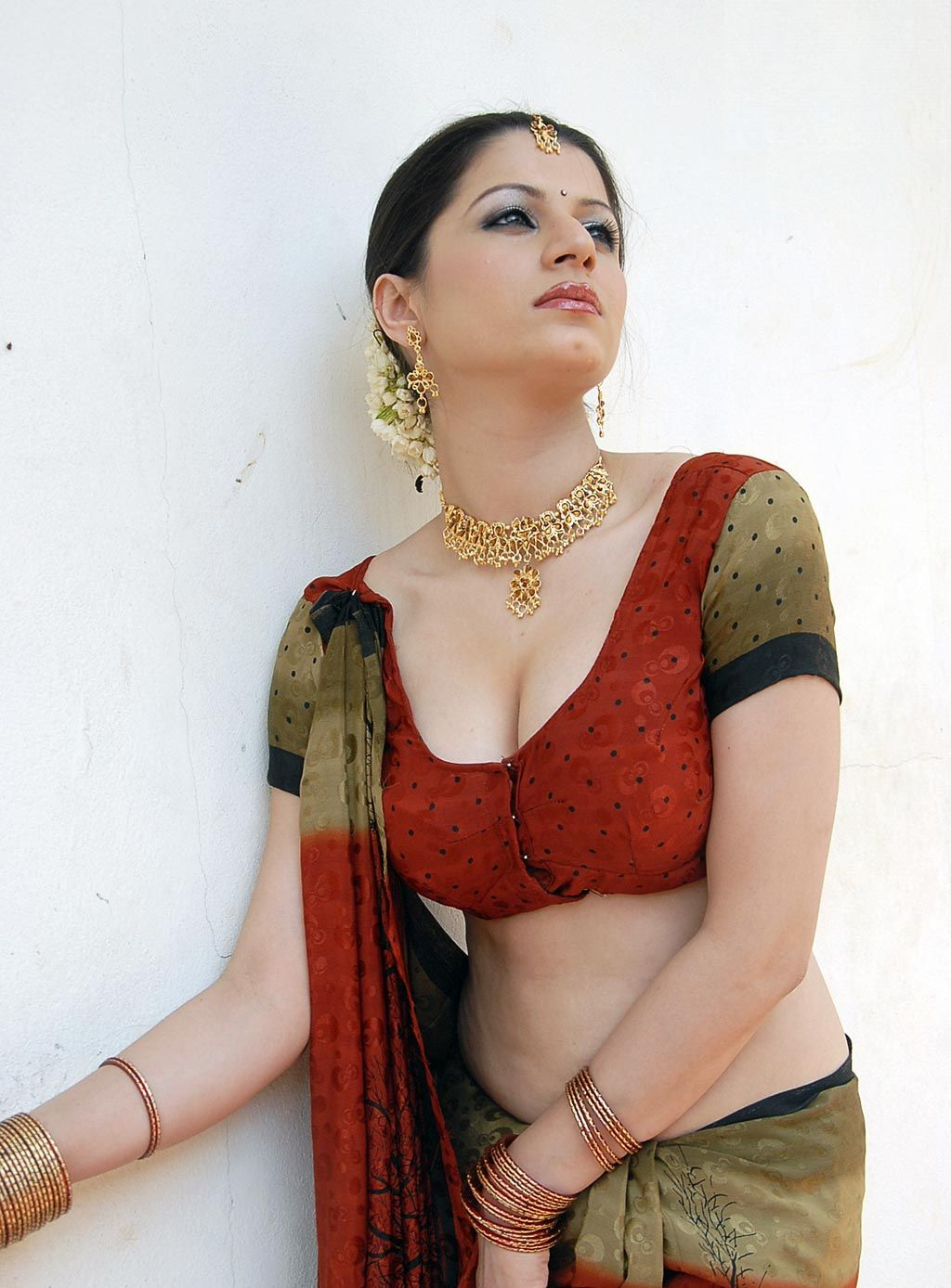 High Quality Bollywood Celebrity Pictures Hot South