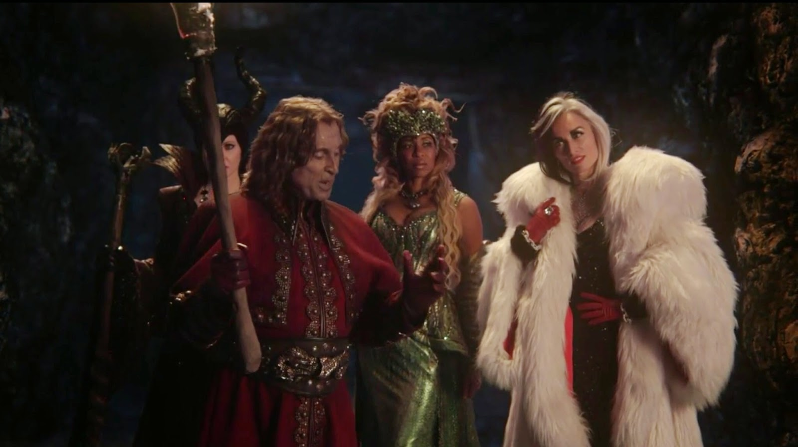 review_once-upon-time_s04e12_darkness-of-the-edge-of-town_queens-of-darkness_rumpelstiltskin
