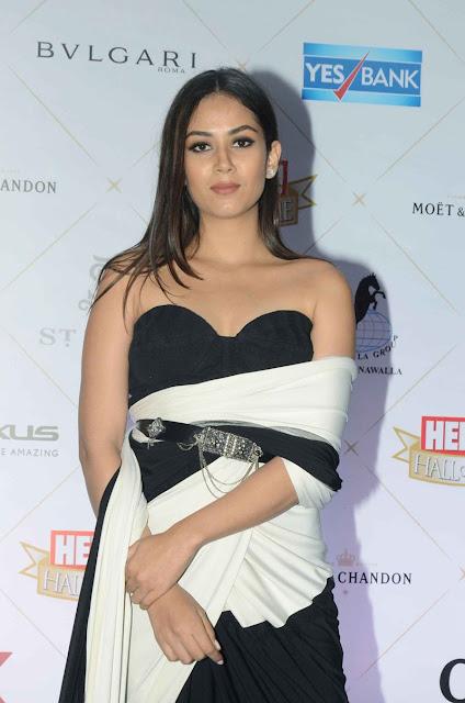 Bollywood actress cleavage pics mira kapoor