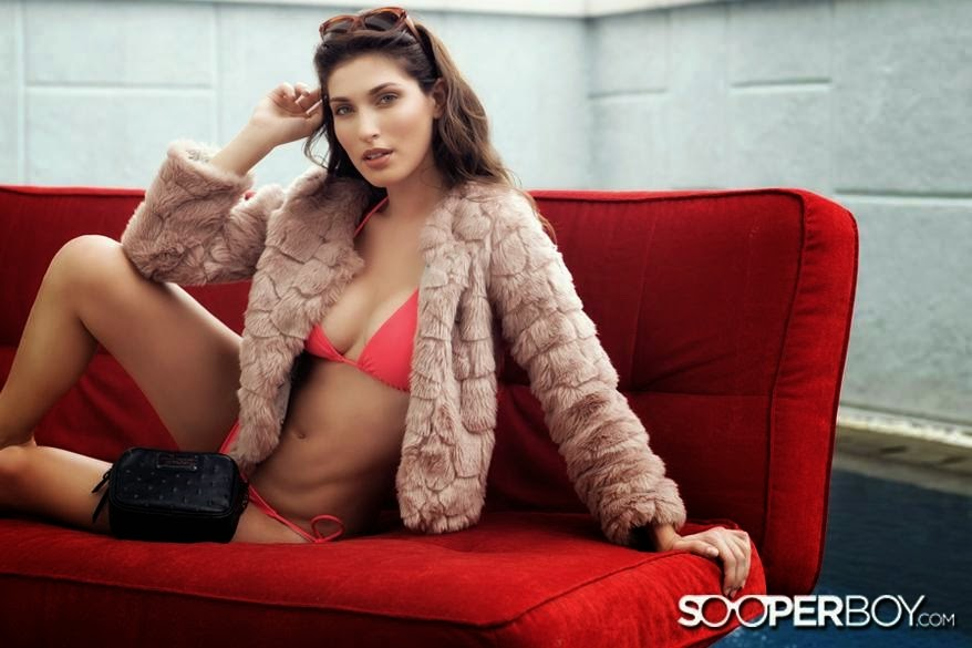 Fernanda Campelo swimsuit Model on Sooperboy April 2014