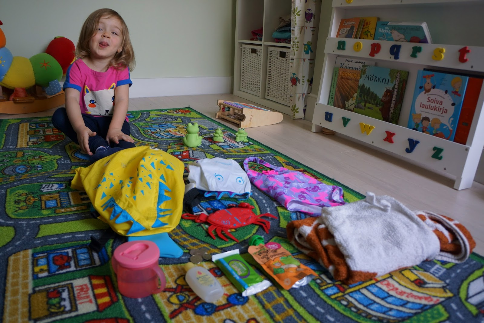 What To Pack For Toddlers Swimming